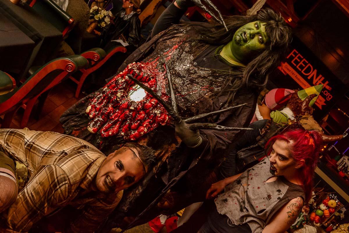 Copper Door Restaurant: Scary Scary Night